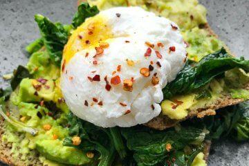 gesundheit-essen-abnehmen.com erklärt: Avocado kannst du auf viele unterschiedliche Arten zubereiten!