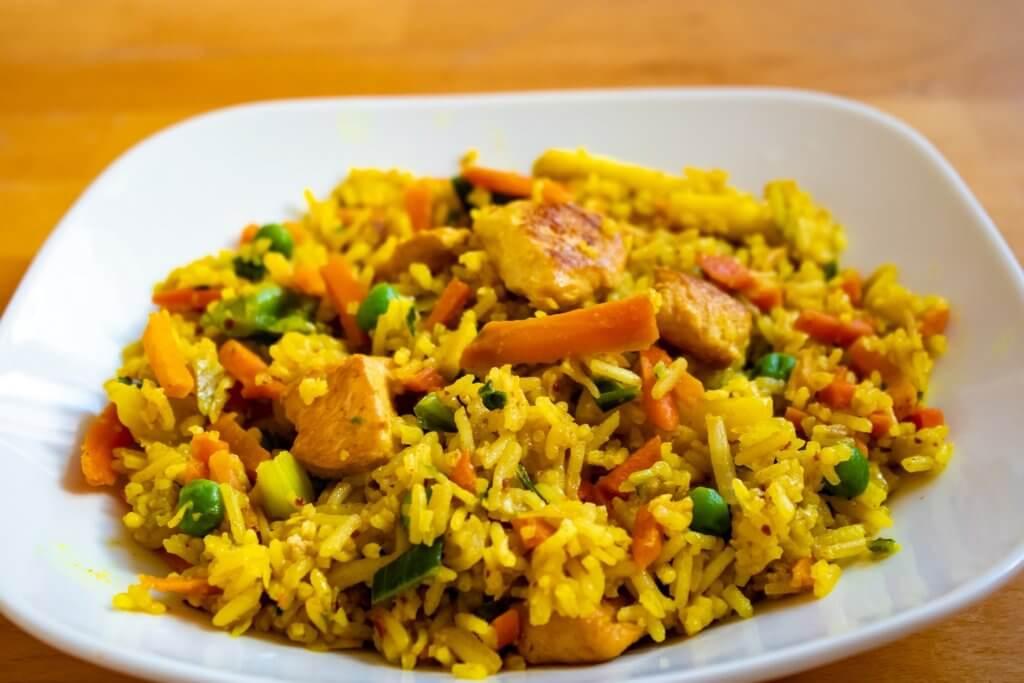 Reis ist in der Vollkornvariante viel gesünder! Außerdem gibt es Blumenkohlreis